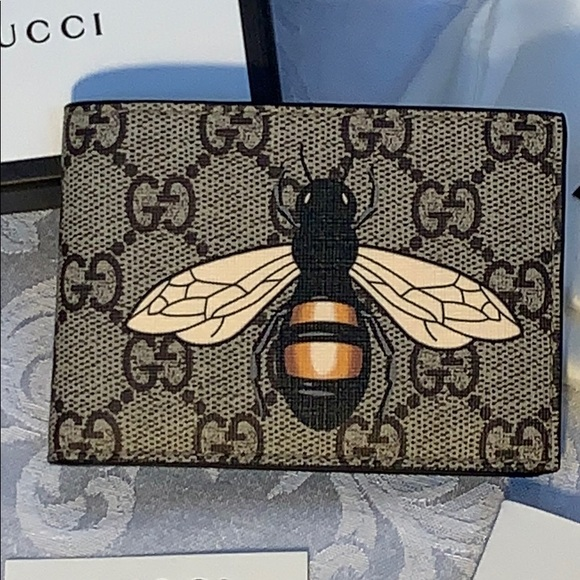 26ad9342b9fc Gucci Bags | Bifold Bee Print Gg Supreme Wallet New | Poshmark